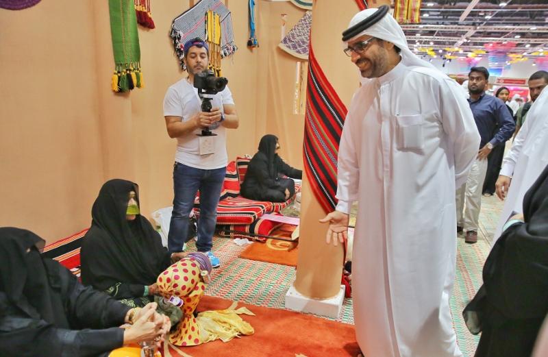 الرئيس التنفيذي لمركز حمدان يبحث سبل التعاون في معرض الصيد والفروسية ابوظبي